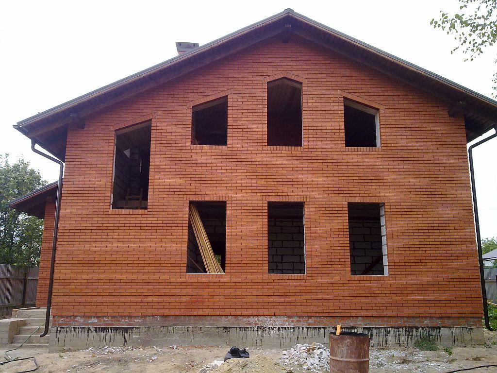строительство жилья самостоятельно обойдется намного дешевле, чем приобретение готового дома